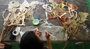 pebisnis yohanes chandra ekajaya rambah kerajinan wayang